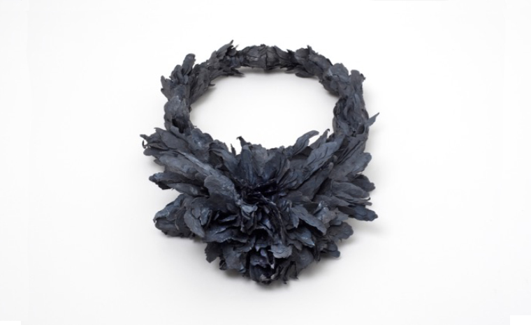 Neckpiece 2011 - Paper, silver, glue, graphite, color, fabric - 350X300X80mm